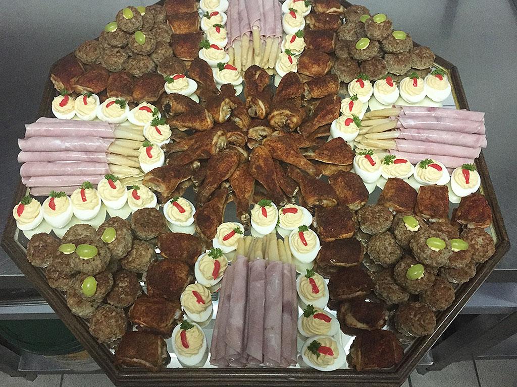 Partyservice & Catering für die private Feier mit Wurstplatte