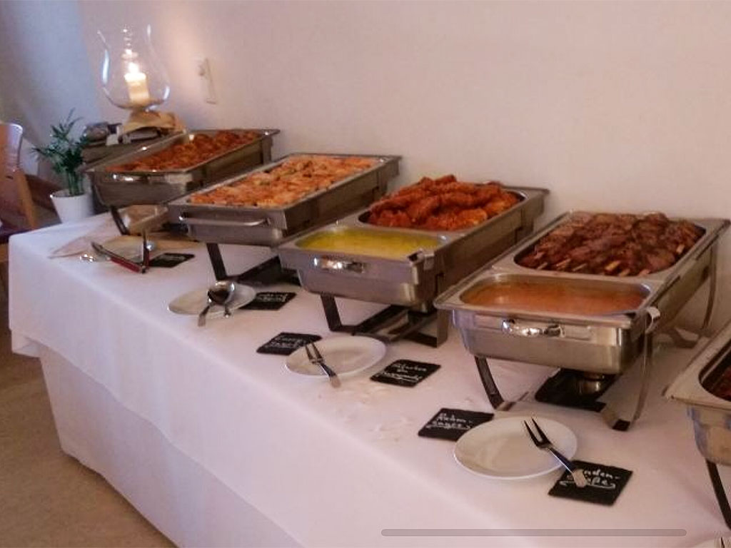 Partyservice & Catering für den Geburtstag - Buffet Tisch
