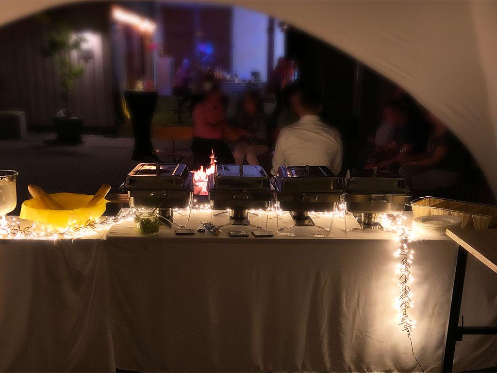 Partyservice & Catering für den Geburtstag - Abends im Zelt